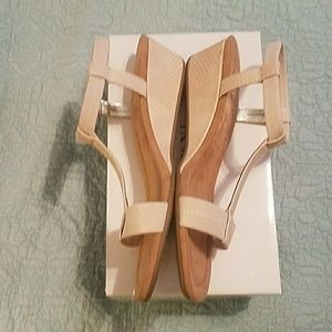 New women's size 11 sandals